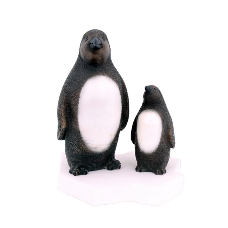 "Скульптура из камня ""Пингвины"""