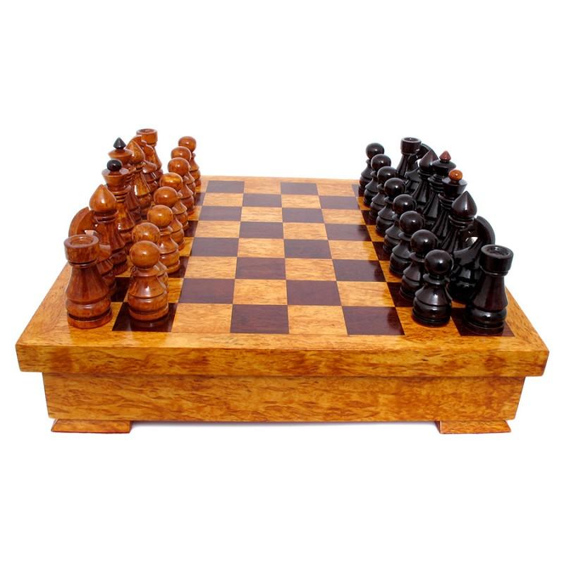 Россия Шахматы Ларец из карельской березы картина домик с лодкой из карельской березы