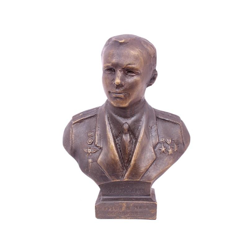 Бюст Гагарин (китель)