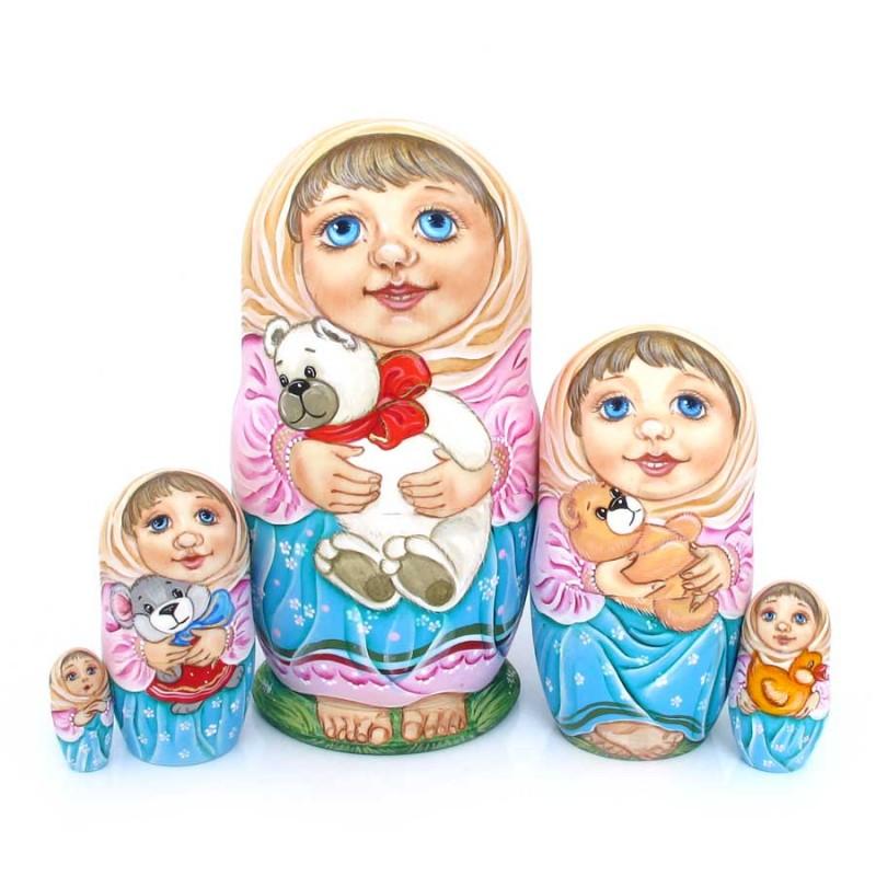 Россия Матрешка 5 мест Дети с игрушкой