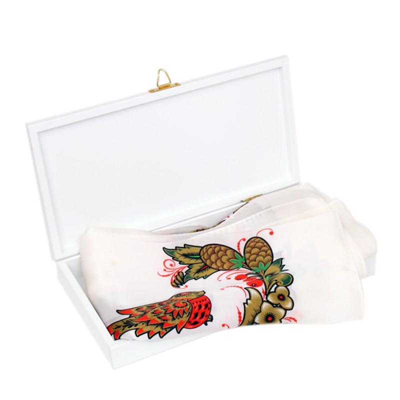 Подарочный набор Шишки на снегу Павловопосадский платок Очарование в шкатулке платки venuse 73019 набор подарочный платок браслет